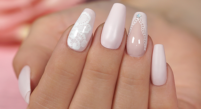 Trendstyle Nailart: Rosy Lace