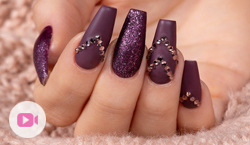 "Trendstyle Nailart: ""Ton in Ton Aubergine"""